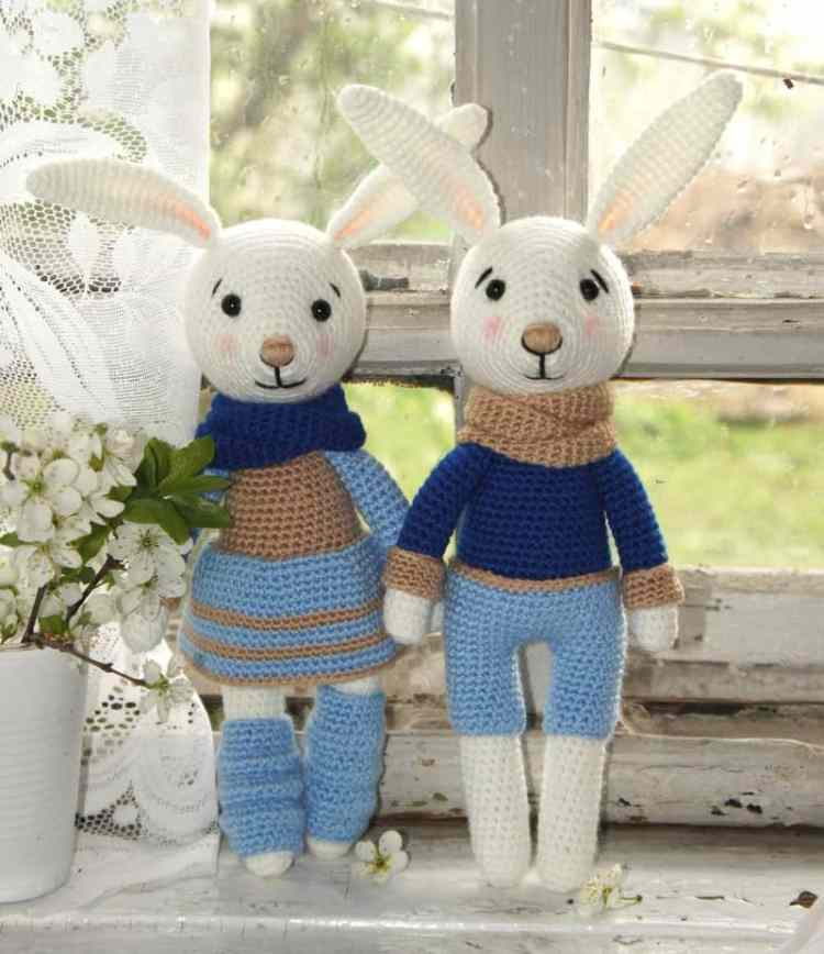 Bunny family crochet toys - amigurumi patterns