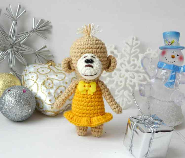 Free amigurumi crochet monkey pattern