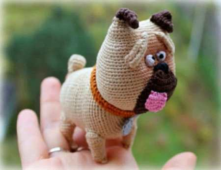 Amigurumi Mel the pug - free crochet pattern