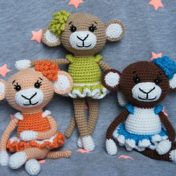 Crochet glamorous monkey - free amigurumi pattern