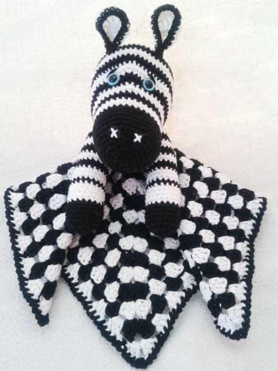 Zebra baby comforter crochet pattern