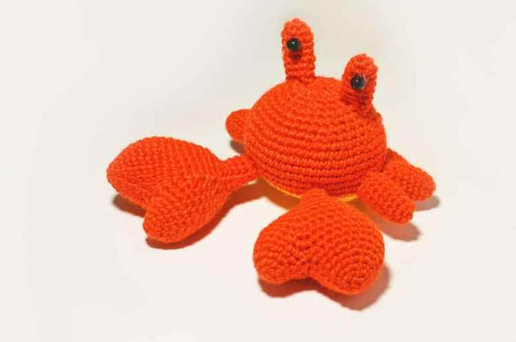 Mr. Crab amigurumi pattern