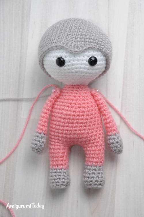 Amigurumi doll in butterfly dress - free crochet pattern