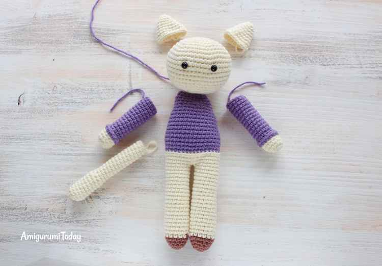 Amigurumi kitty in lilac dress - crochet pattern - assembly