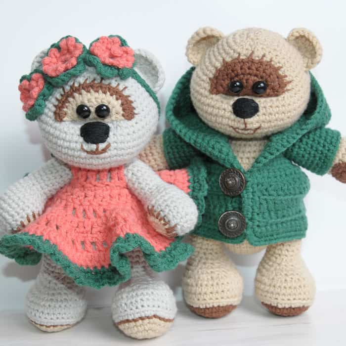 Amigurumi teddy bears in love - free crochet pattern