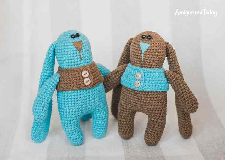 Amigurumi bunny twins in vests - FREE CROCHET PATTERN on Amigurumi Today