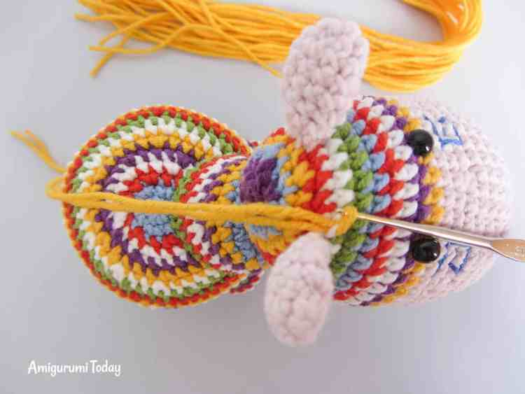 Crochet rainbow pony amigurumi pattern - mane instructions