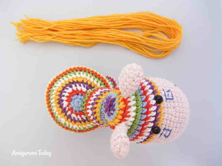 Crochet rainbow pony amigurumi pattern - mane