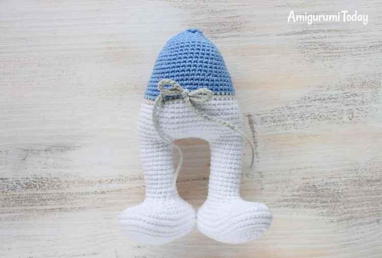 Crochet Smurf amigurumi pattern - body and legs