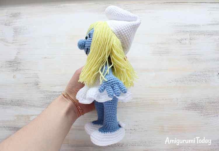 Crochet Smurfette Amigurumi