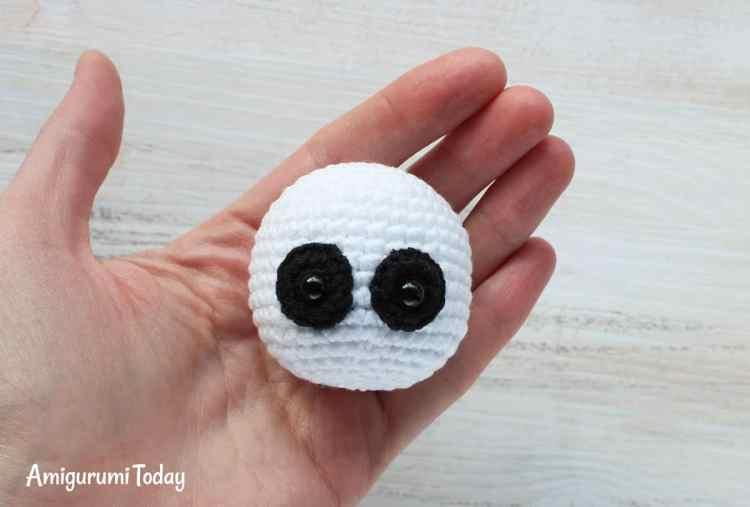 Cuddle Me Panda amigurumi pattern - head