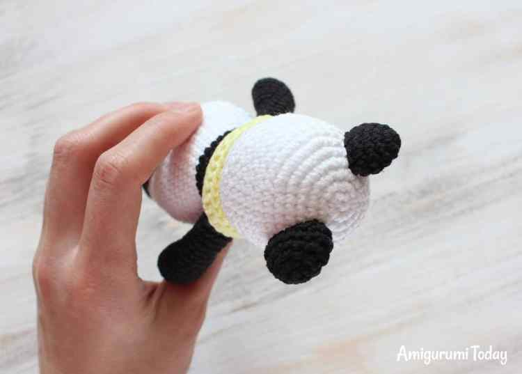 Cuddle Me Panda - free crochet pattern