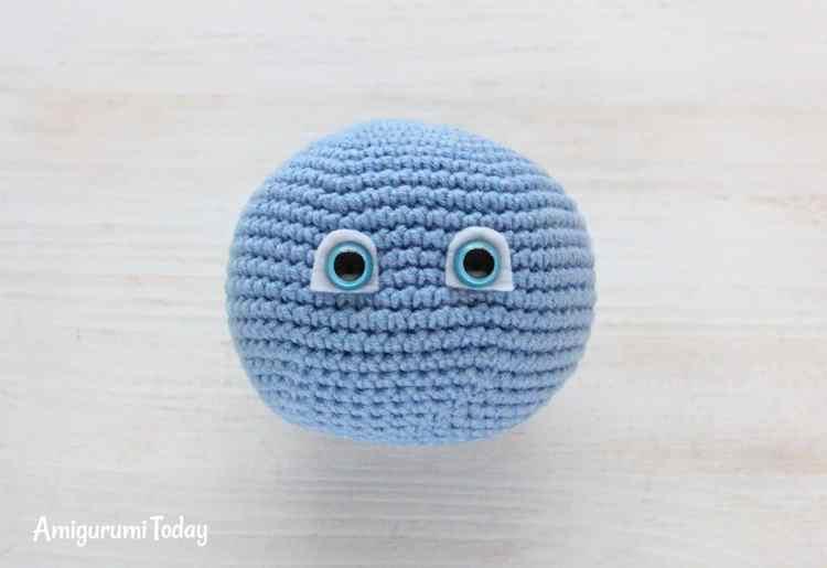 Smurfette crochet pattern - face