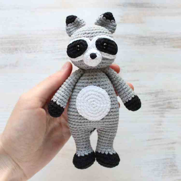 Crochet Cuddle Me Raccoon - Free amigurumi pattern