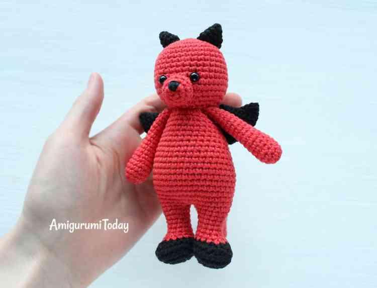 Cuddle Me Dragon amigurumi pattern