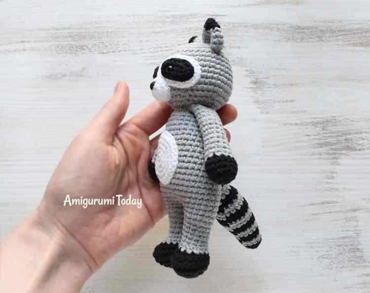 Cuddle Me Raccoon - Free crochet pattern