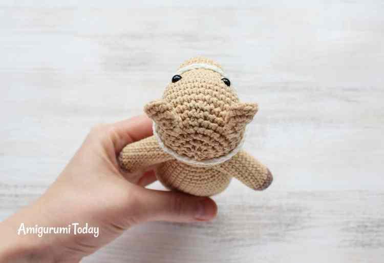 Free Cuddle Me Pony amigurumi pattern - bridle