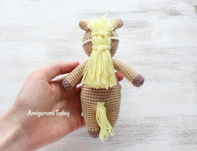 Free Cuddle Me Pony amigurumi pattern