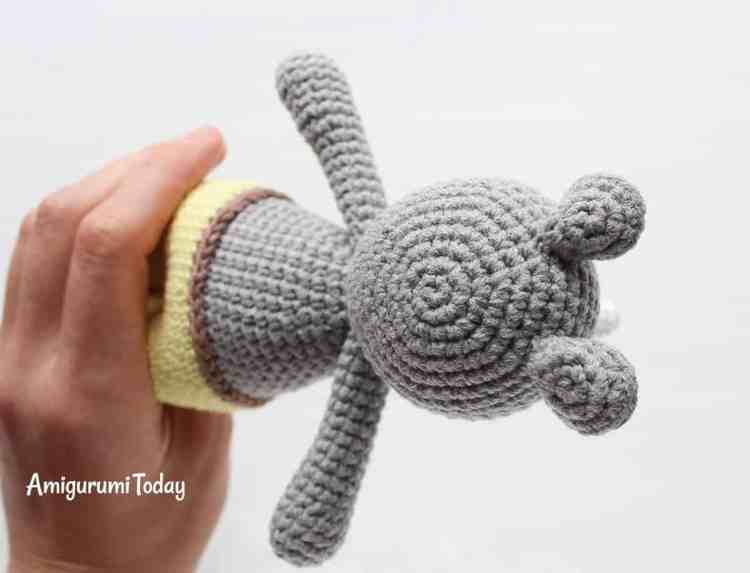 Free Cuddle Me Rhino crochet pattern - assembly