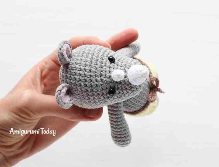 Free Cuddle Me Rhino crochet pattern by Amigurumi Today
