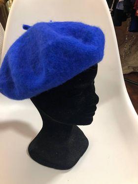 Béret bleu hiver