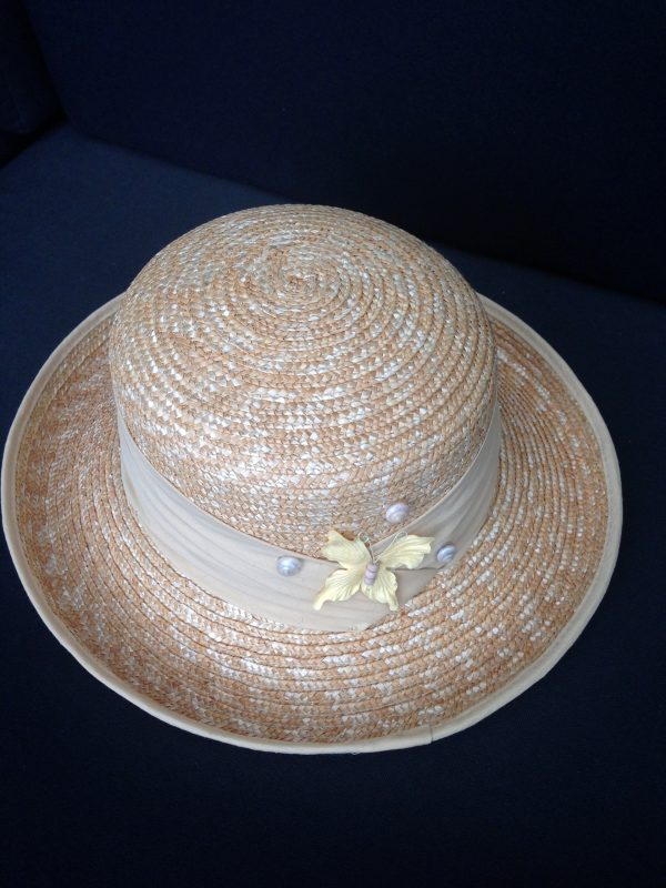 Raphia hat shells and butterfly