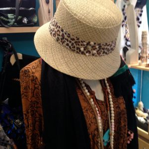 Hat with leopard ribbon