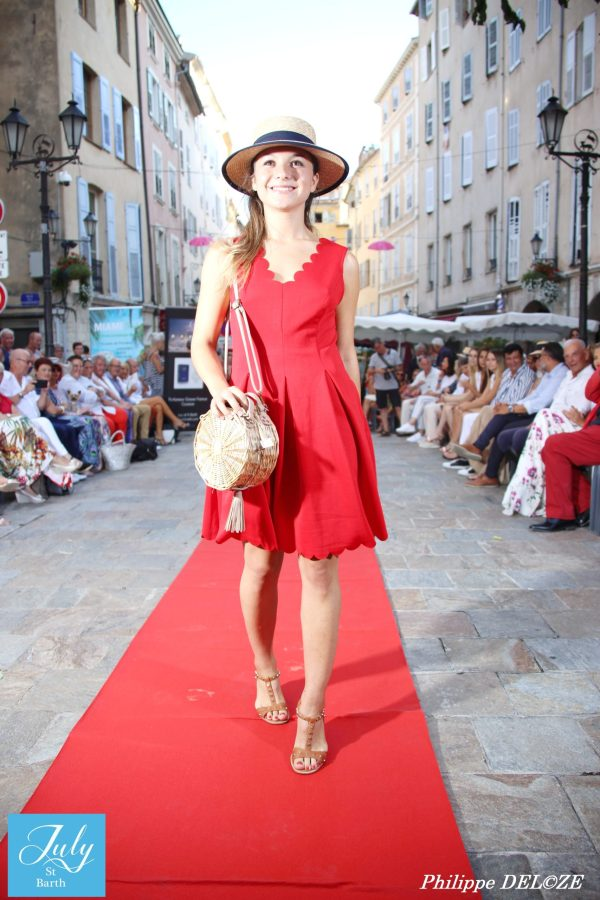 SUPERBE ROBE ROUGE JULY OF ST BARTH
