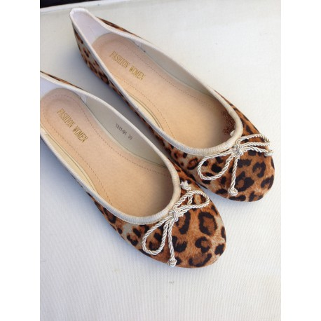 ballerines leopard ask for sizes