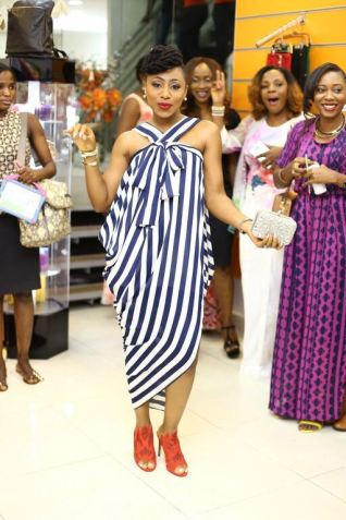 5 Amazing Stripe Dresses In A Million Styles - Dakore Akande