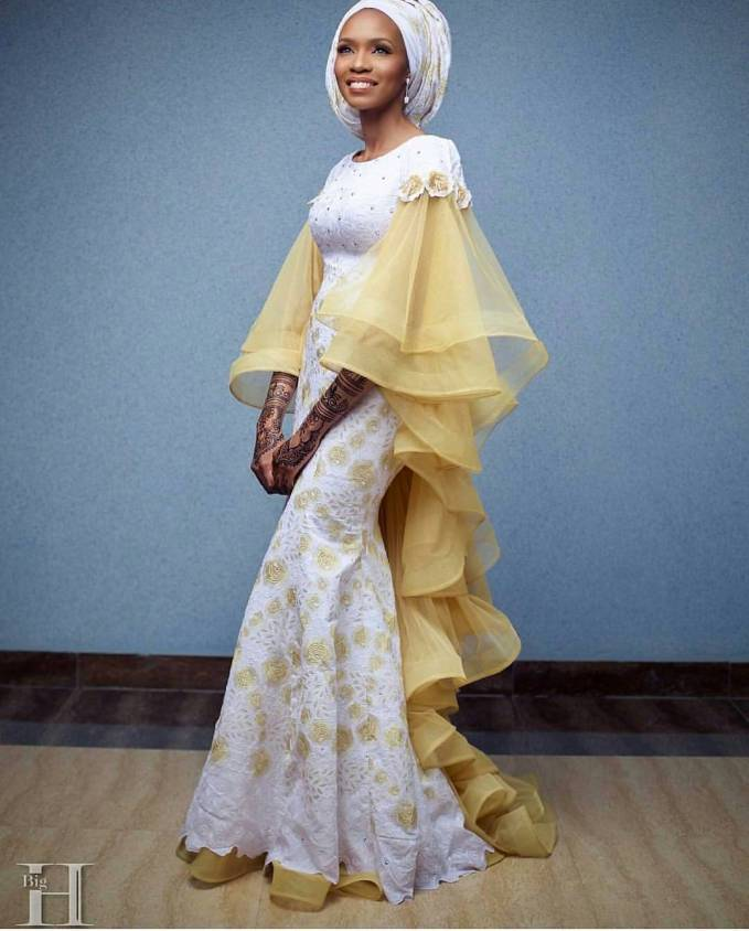Lit And Stunning Reception Dresses For The Fashionable Brides