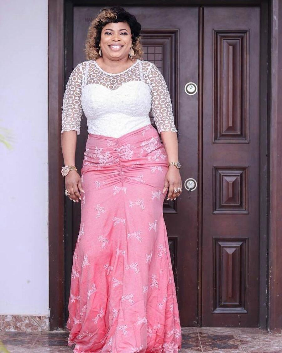 2018 Aso-Ebi styles–20 Latest Lace and Asoebi Designs ...