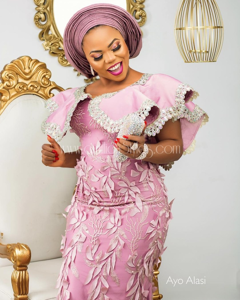 Look On Point In These 12 Lace Asoebi Styles That Show You Off.