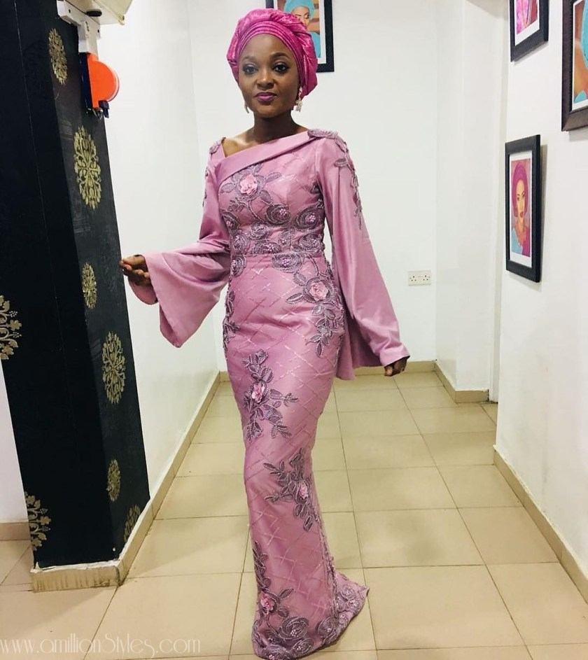 What Are The Chances You Have Come Across These Sleek Asoebi Styles?  AMAZING! These Sleek Asoebi Styles Will Make You Stand Out mature Asoebi by  glitz allure fabrics amillionstyles