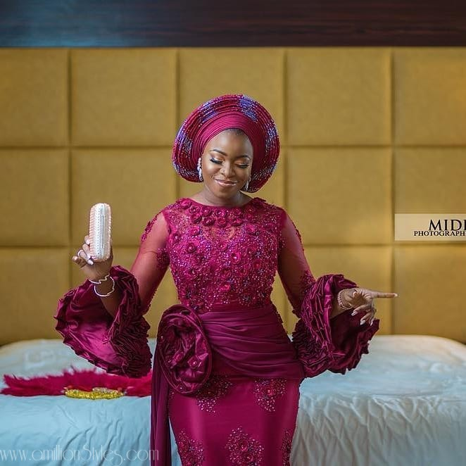 12 Latest Lace Asoebi Dresses
