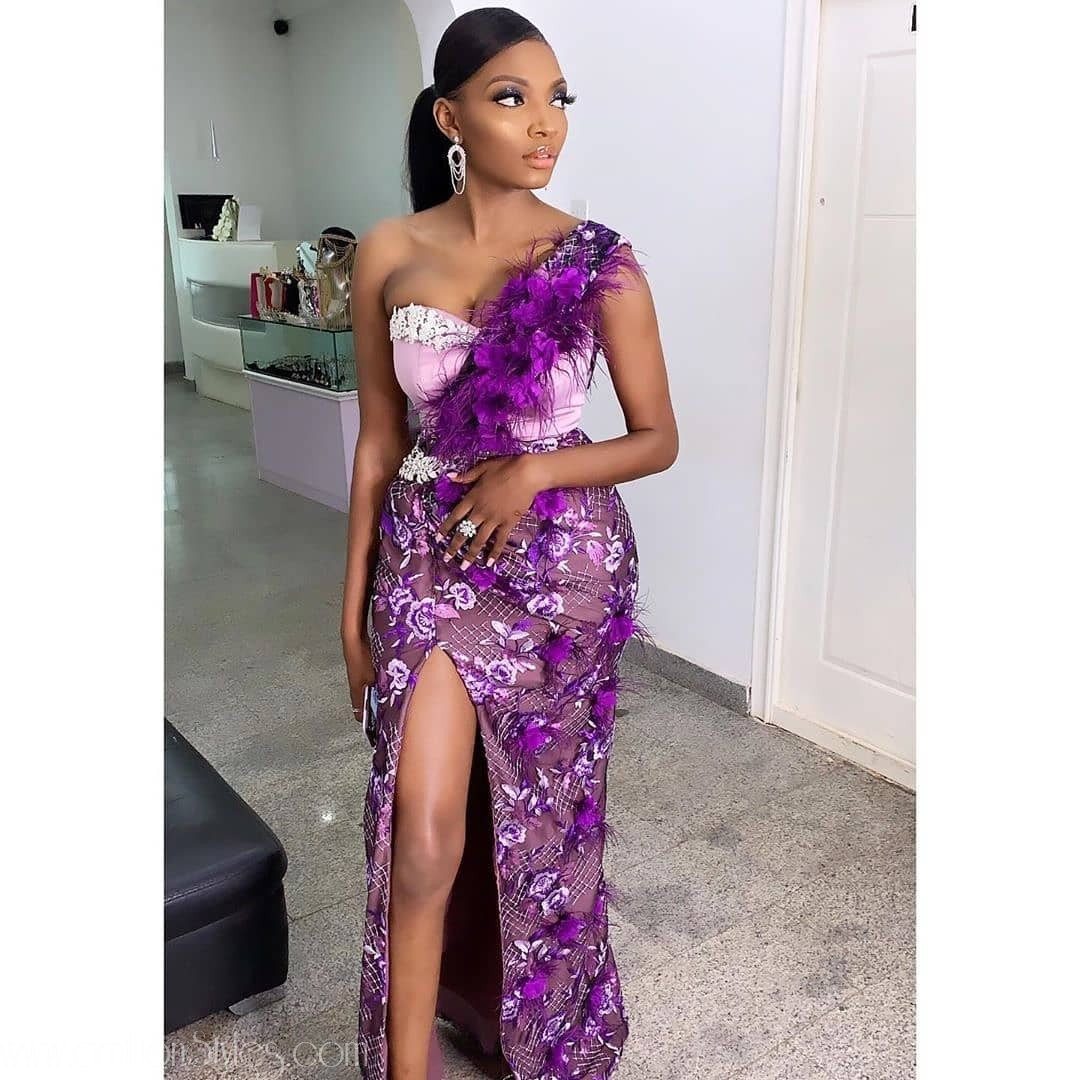 Latest Nigerian Lace Styles and Designs: Monostrap Lace Asoebi Styles