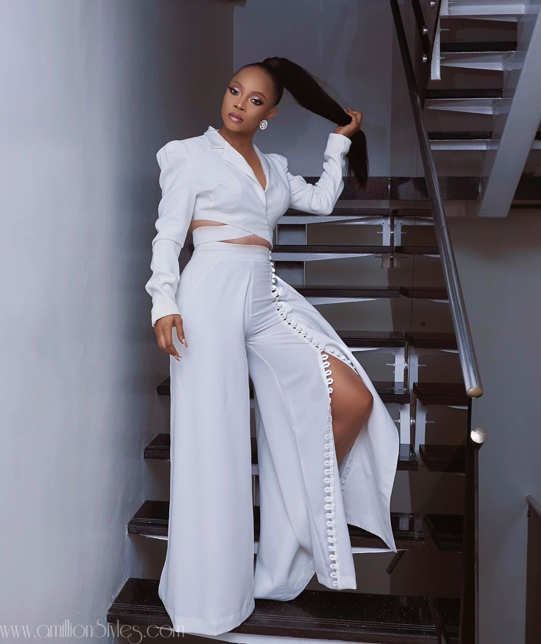 Toke Makinwa Looks Fabulous In This Style Temple Outfit