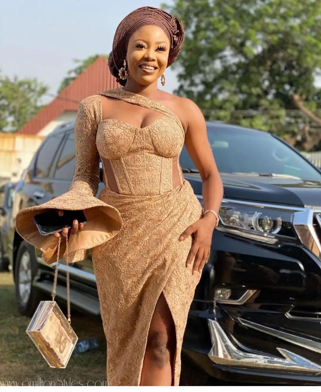 Exquisite Nigerian Lace Asoebi Styles-Volume 15