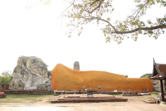 Wat Lokayasutha - Reclining Buddha