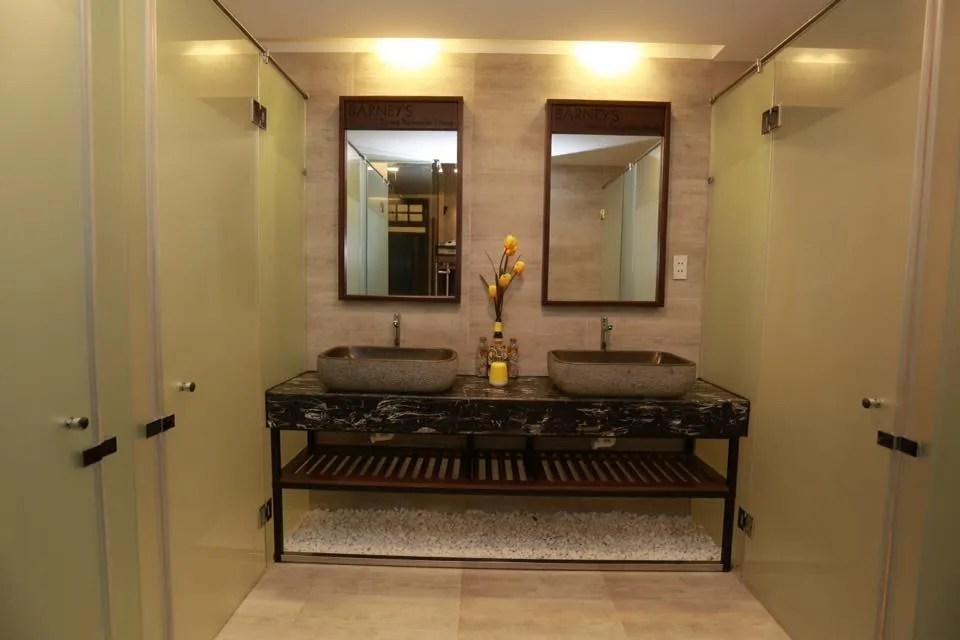 Modern bathrooms - danang hostel