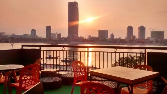 Amazing rooftop view - Barney da nang hostel