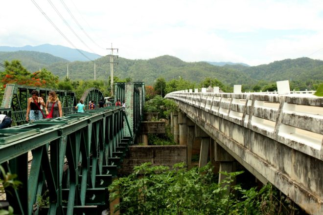 Old and new Friendship Bridge in Pai