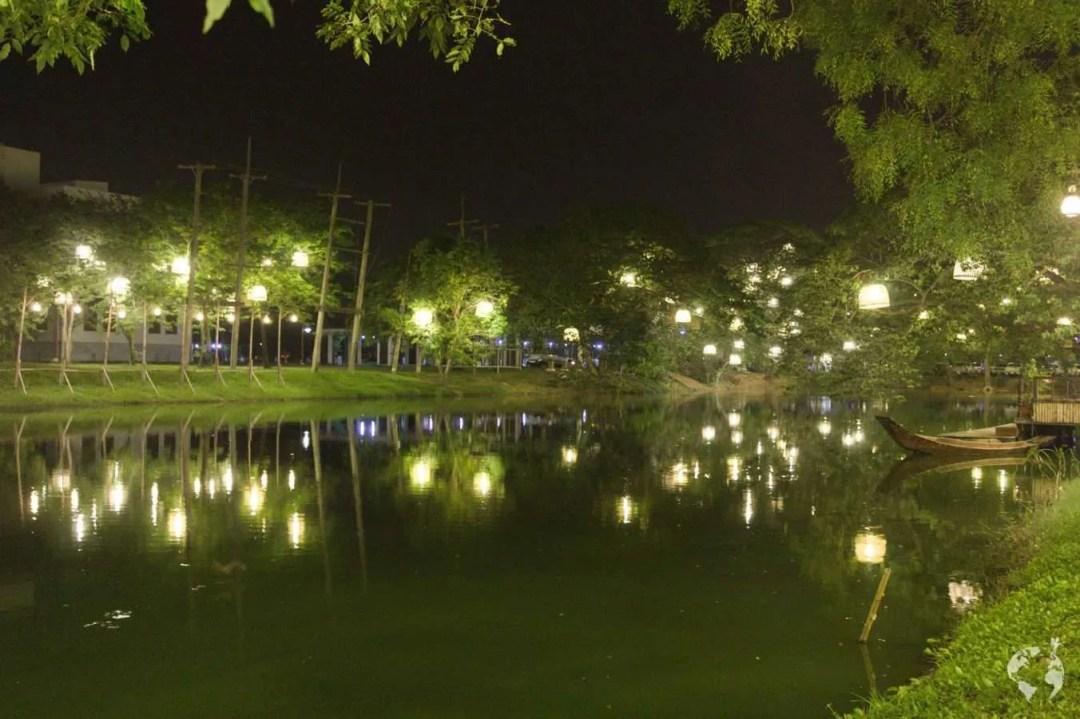 night market ayutthaya where is it