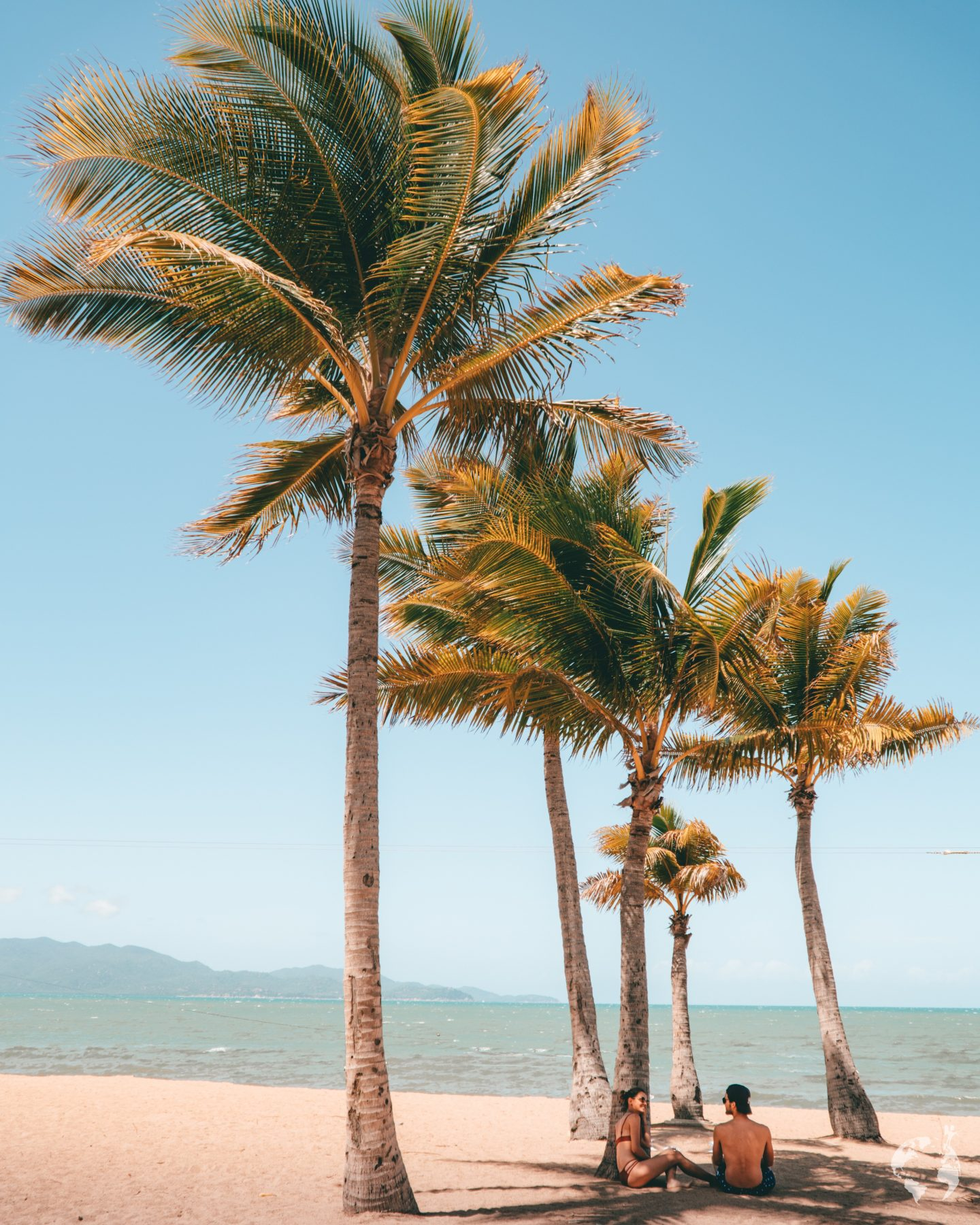 townsville strand beach tropical queensland