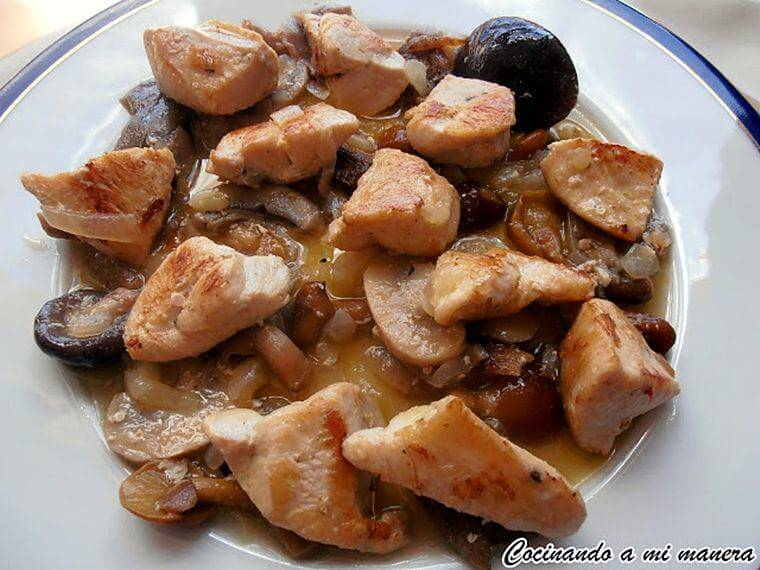Pechugas de pollo salteadas con setas - Platos con pechuga de pollo ...