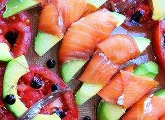 aperitivo con salmon ahumado