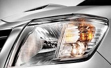 2102 Toyota Hilux Vigo comes with Halogen headlights