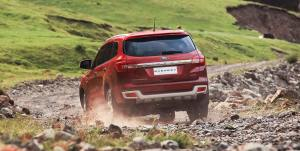 ford-everest-red-rear