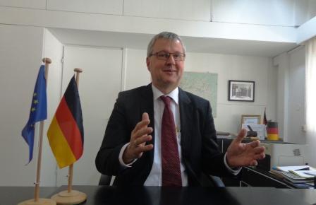 SEM. Mathias Veltin: «l'Allemagne importe 2,4 millions de tonnes de Bauxite par an de la Guinée»