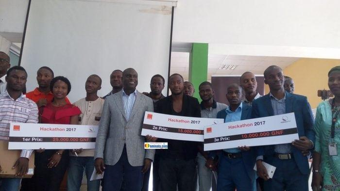 Des lauréats du concours Hackhathon 2017 organisé par Orange Guinée